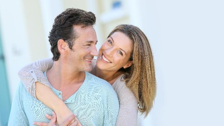 cosmetic dentistry brentwood tn dentist | couple holding each other